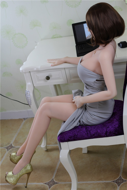 Lifelike Sex Doll